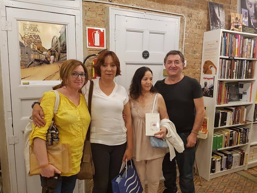 Presentación y coloquio sobre la obra de Alejandra Díaz Ortiz en la libreria Usher de Barcelona.