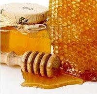 Madu mempunyai banyak khasiat, selain untuk kesehatan tubuh ternyata madu juga dapat berkhasiat untuk kecantikan, Berikut Lima Manfaat Madu Untuk Kecantikan