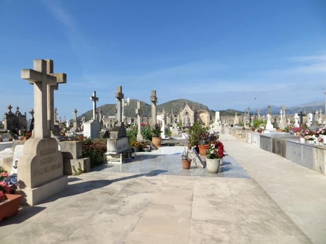 Cemetery old town Alcudia Mallorca hautausmaa