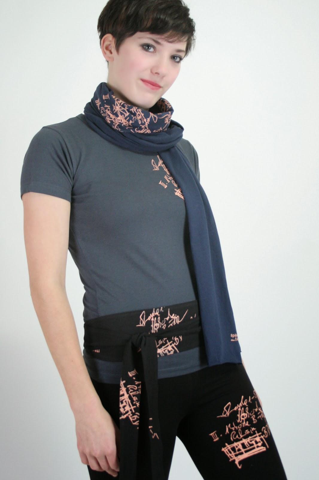 Schal, Gürtel und Leggings mit Handsiebdruck