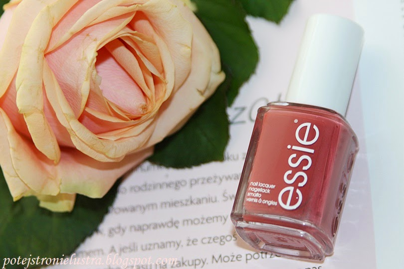 Essie In Stitches