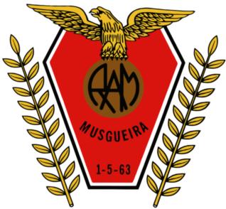 http://1.bp.blogspot.com/-iCBqWjRbKzs/TeBS6JkLu9I/AAAAAAAAHR4/pSScG8XLphQ/s1600/Recreativo+%25C3%2581guias+da+Musgueira.png