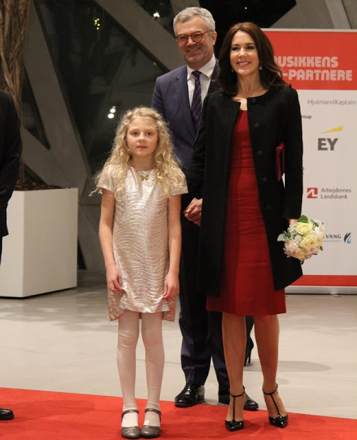 Crown Princess Mary Attended TV2 Christmas Show