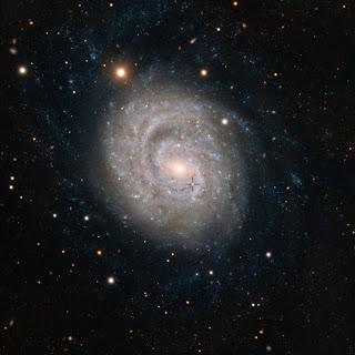 Сверхновая SN 1999em в галактике NGC 1637