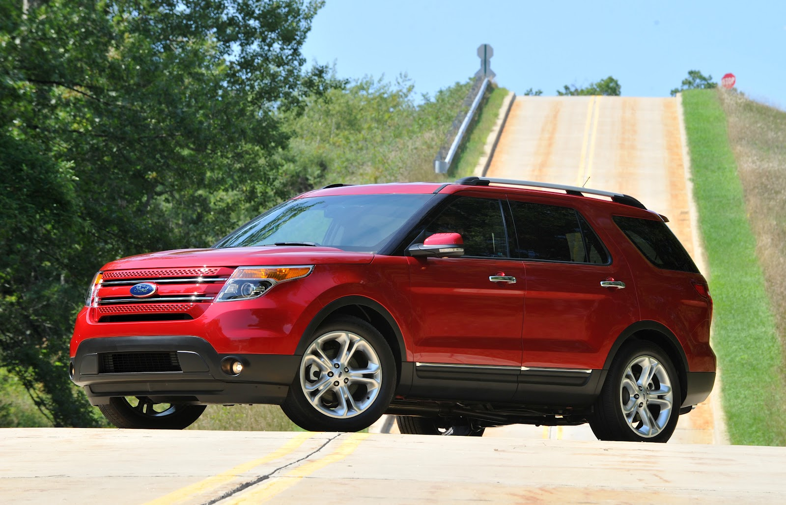 the auto reviewers 2012 ford explorer gets it right. Black Bedroom Furniture Sets. Home Design Ideas