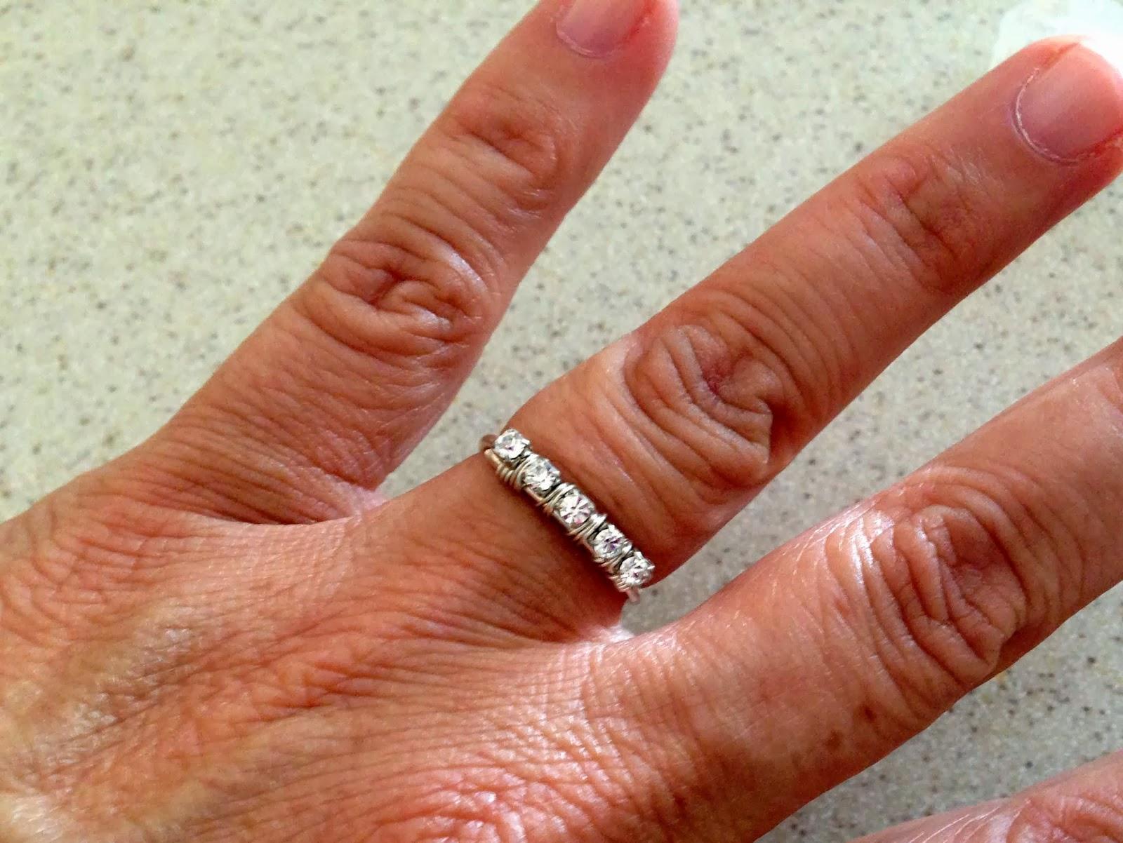 Lisa yangs jewelry blog super easy stack ring free jewelry super easy stack ring free jewelry making tutorial baditri Choice Image