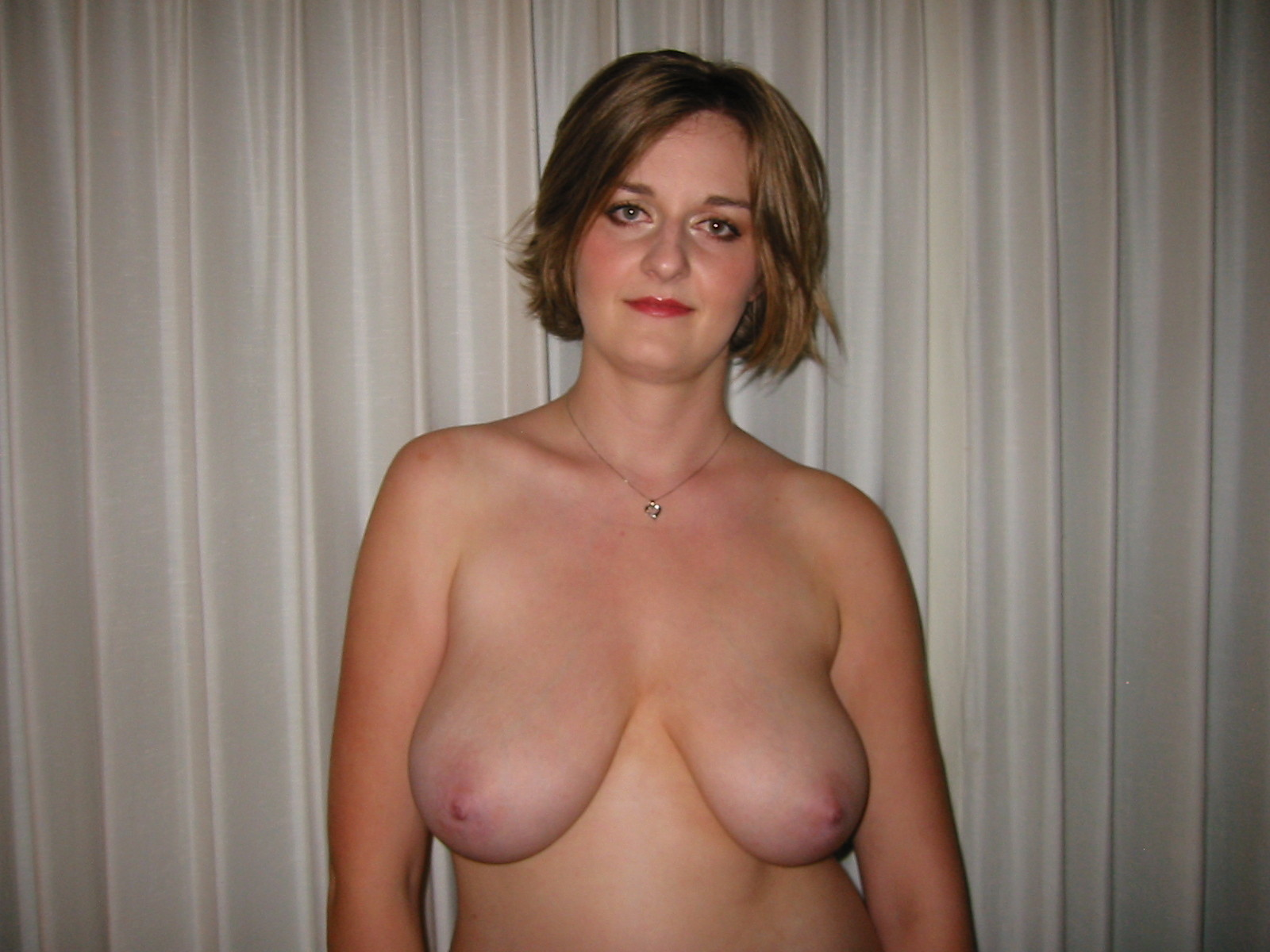 Mature amateur saggy tits