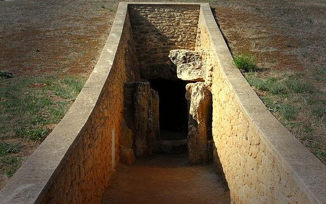 Image result for Dólmens de Antequera, Espanha