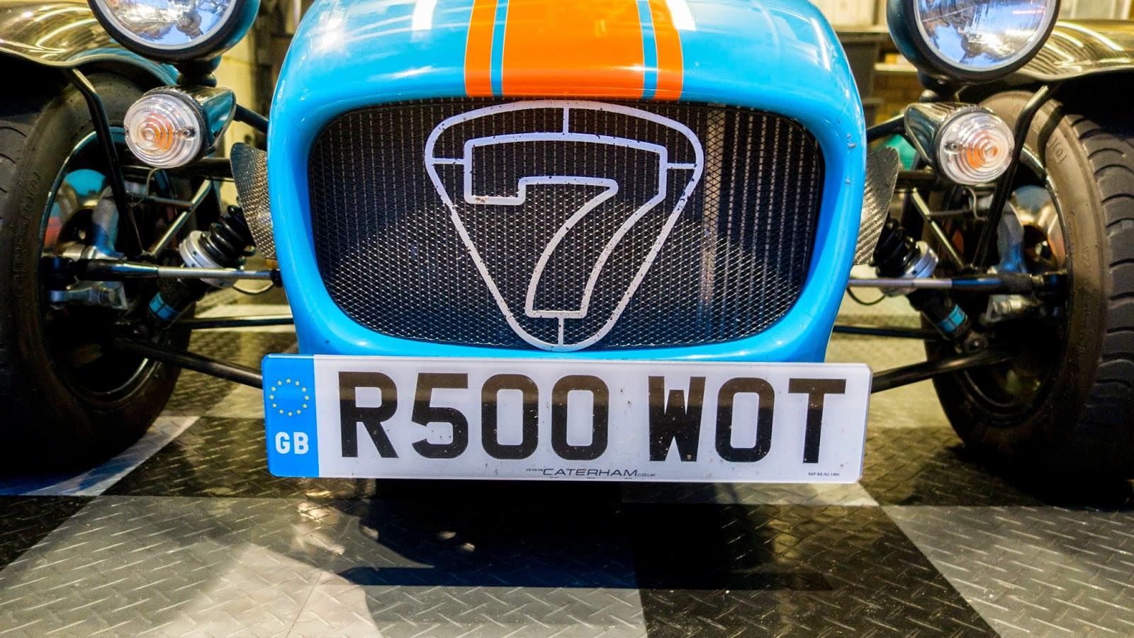 R500 WOT number plate