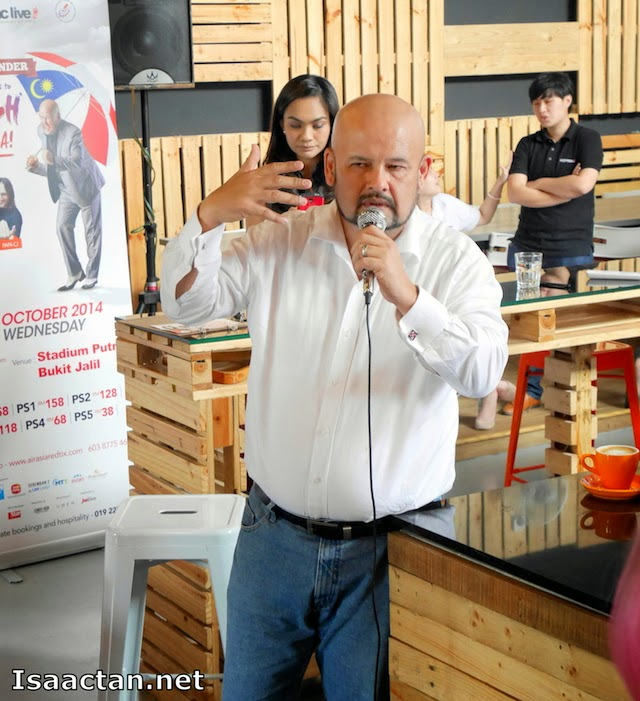 Harith Iskandar doing what he does best, tickle our funny bones