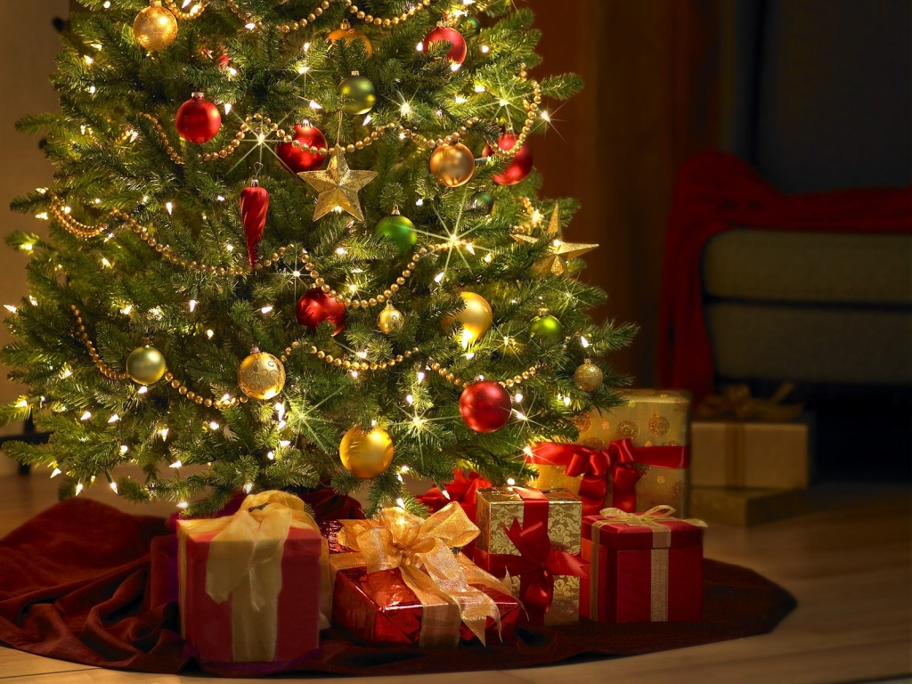 Christmas Tree Wallpapers   Download Christmas Tree Wallpapers   Pc