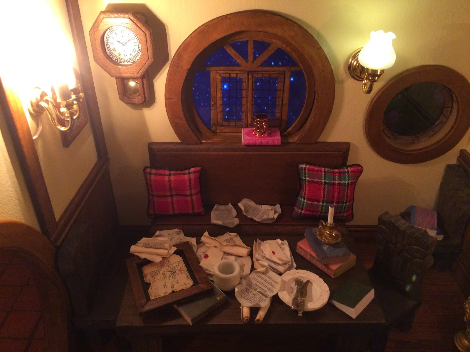 My Hobbit Hole Bag End Parlour