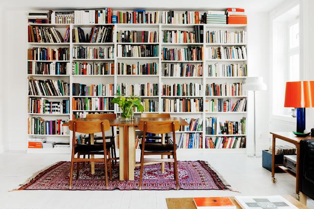 åpent hus: ordnings på bøkene / bookshelves