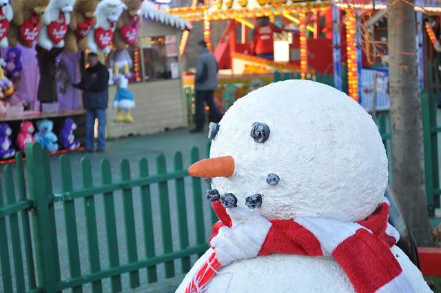 Winter+Wonderland+Hyde+Park+London+snowman
