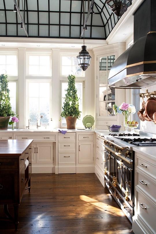 Desain ruang dapur tradisional yang indah