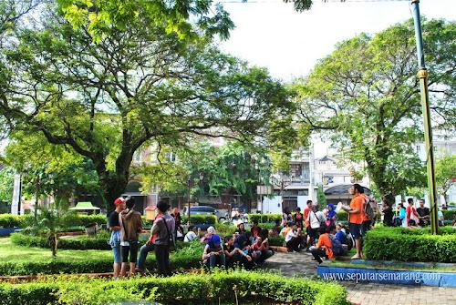 Taman Srigunting Kota Lama Semarang – Parade Plein