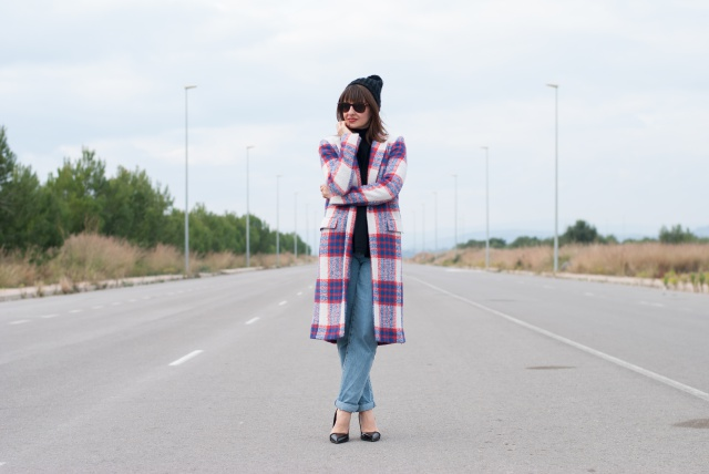 plaid coat zara look
