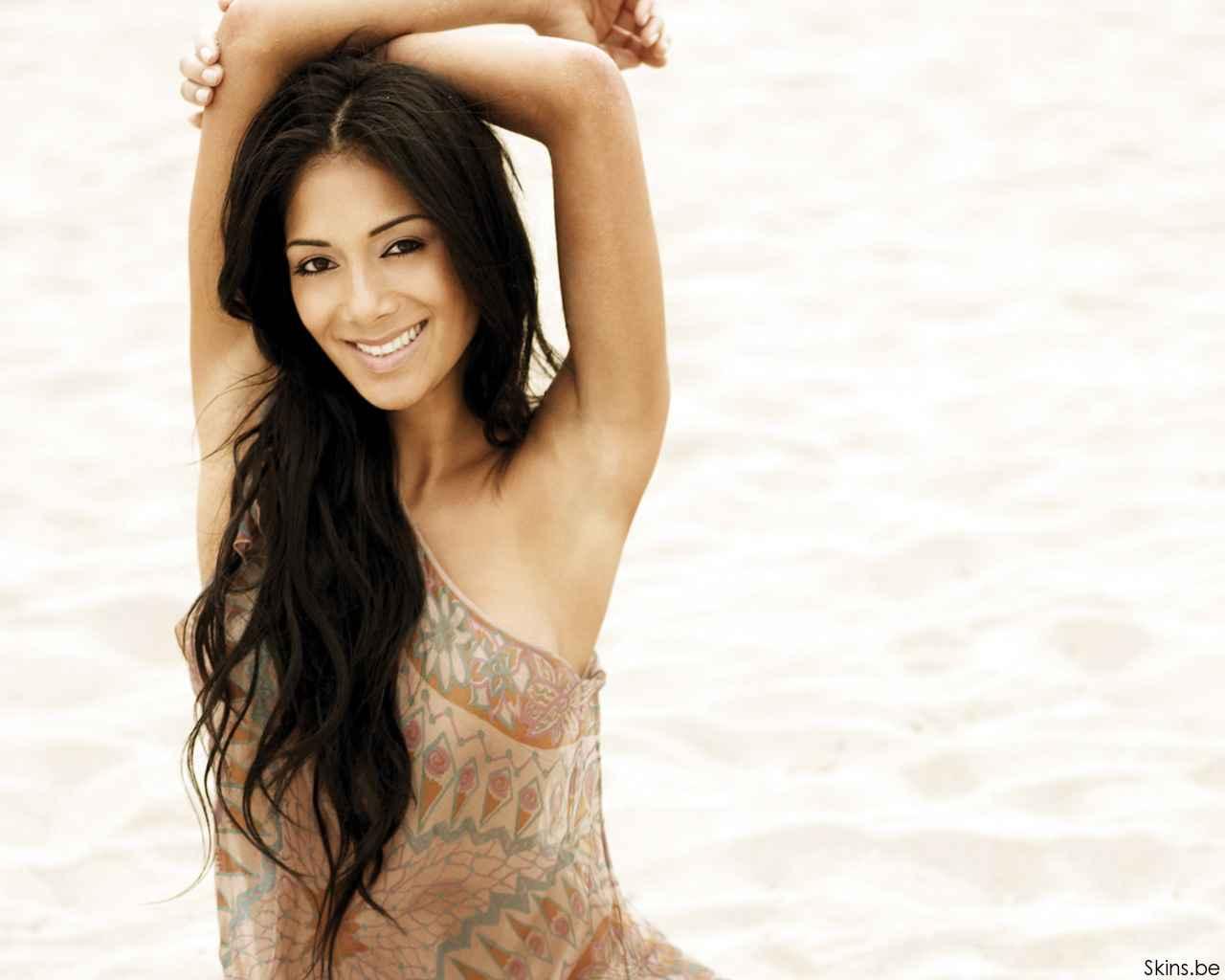 http://1.bp.blogspot.com/-iEXE3tT-nYo/Ti7fAYF7dRI/AAAAAAAAKPc/USRiRdfwbSo/s1600/Nicole+-Scherzinger+-10.jpg