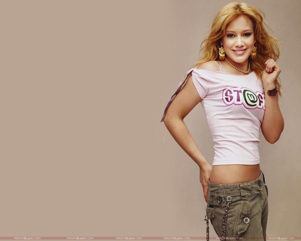 http://1.bp.blogspot.com/-iEa4bvMu9Po/TmT012K7MEI/AAAAAAAAKWI/GkPKd6lyMDk/s1600/Hilary_Duff-wallpaper-hd.jpg