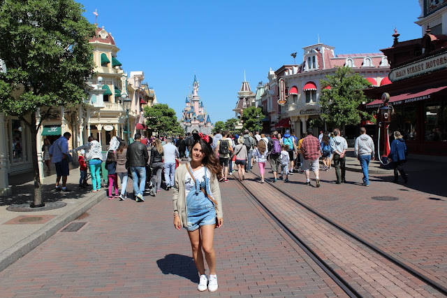 disneyland paris, outfit blogger salopette
