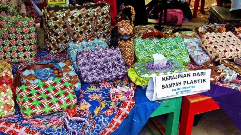 Memanfaatkan Limbah Plastik Untuk Kerajinan   Radio Citra Bahari FM Rembang
