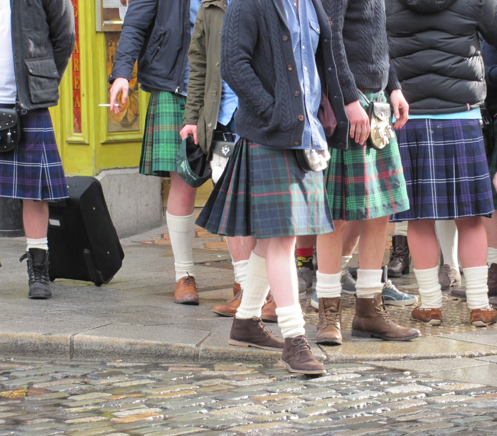 Scotsmen in kilts in Temple Bar in Dublin
