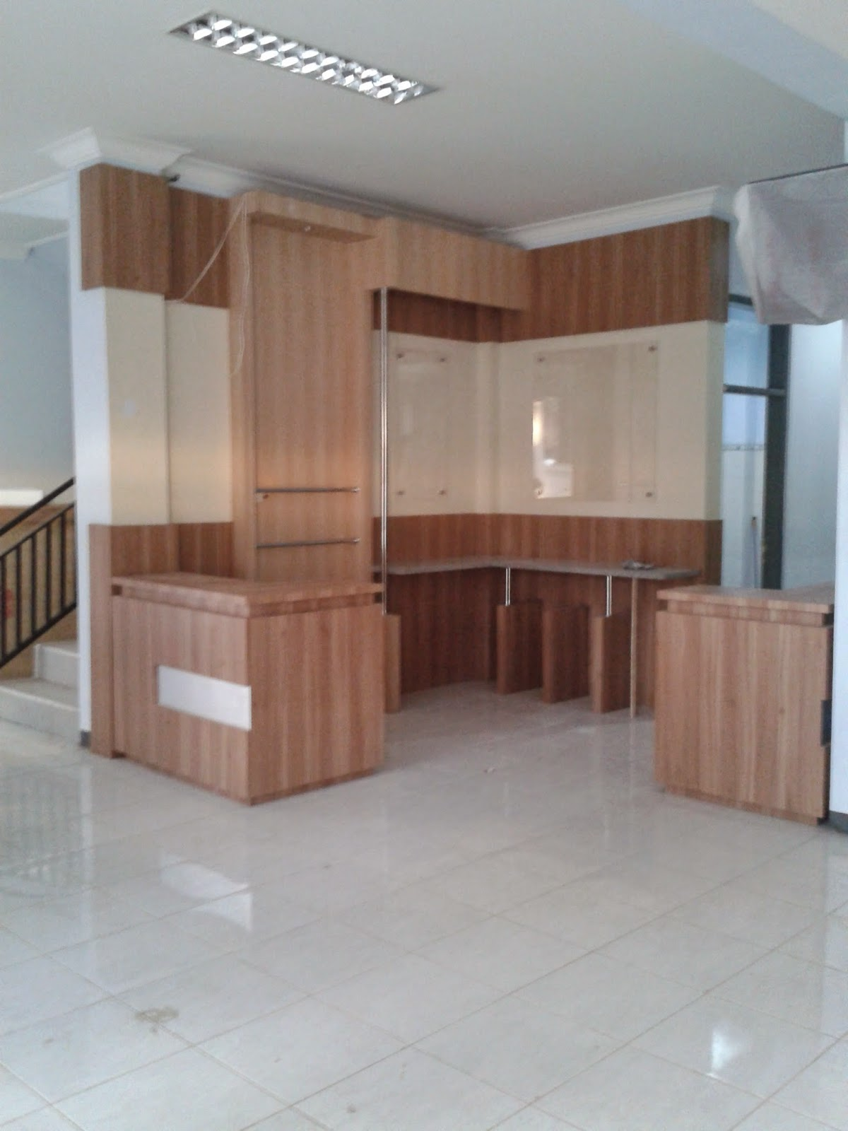 Sampel HPL pada Mini Bar