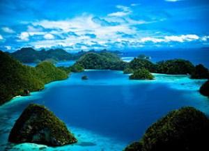 raja ampat - Tempat Wisata Bawah Laut Indonesia - MizTia Respect