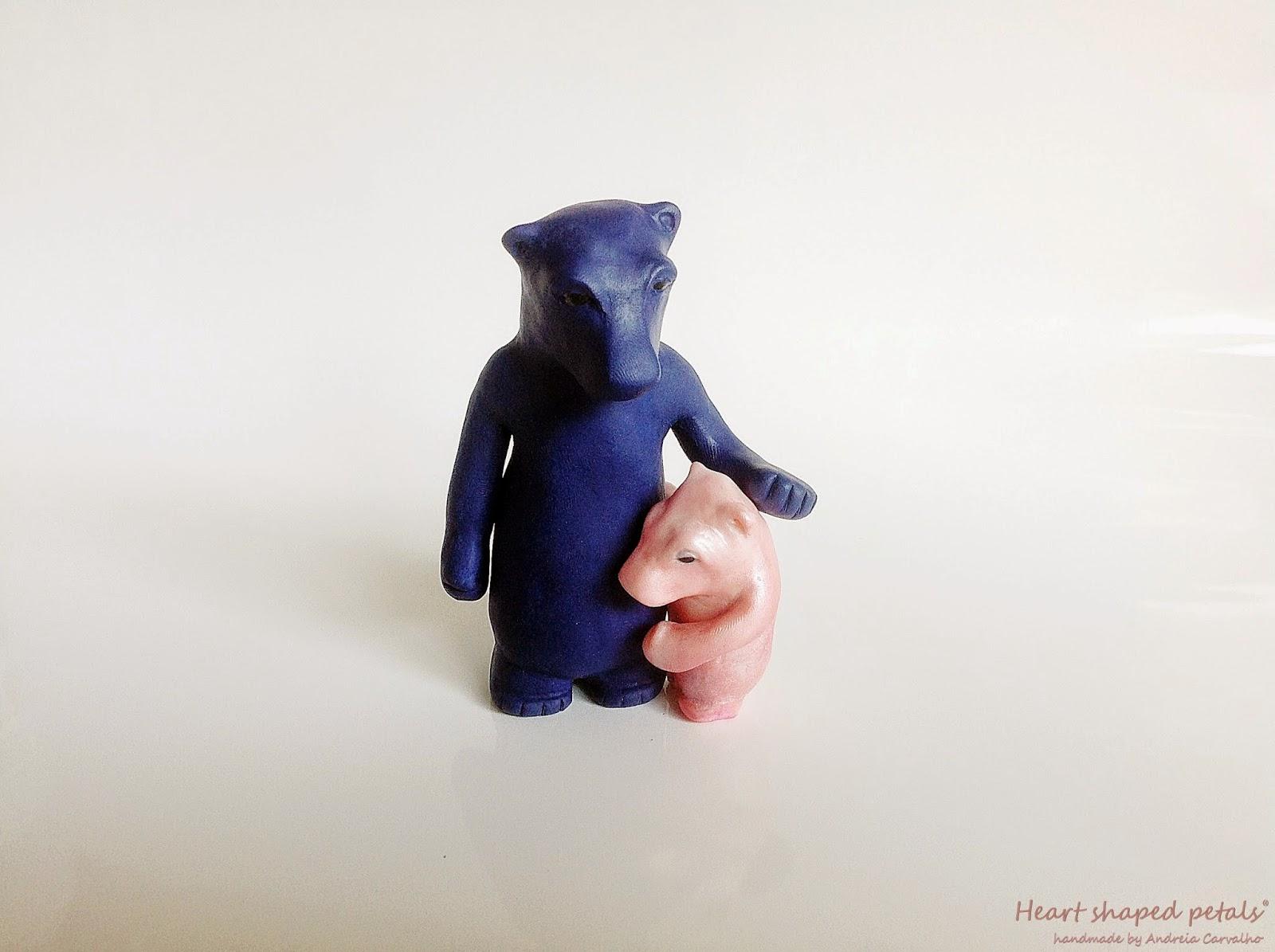 Escultura ursos mãe e cria