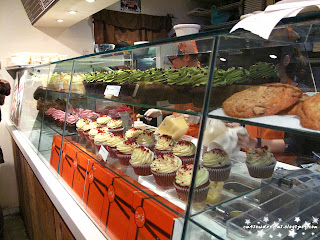 spot dessert bar, spot,cupcakes, cake, sweets, apple, apple crumble,green tea, red velvet,