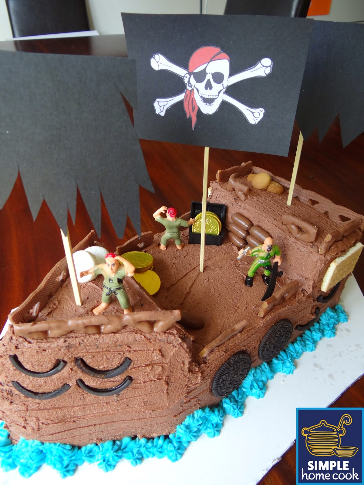 Simple home cook How to decorate a pirate ship cake