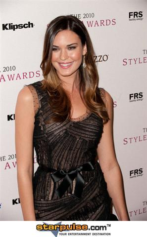 odette-annable-style