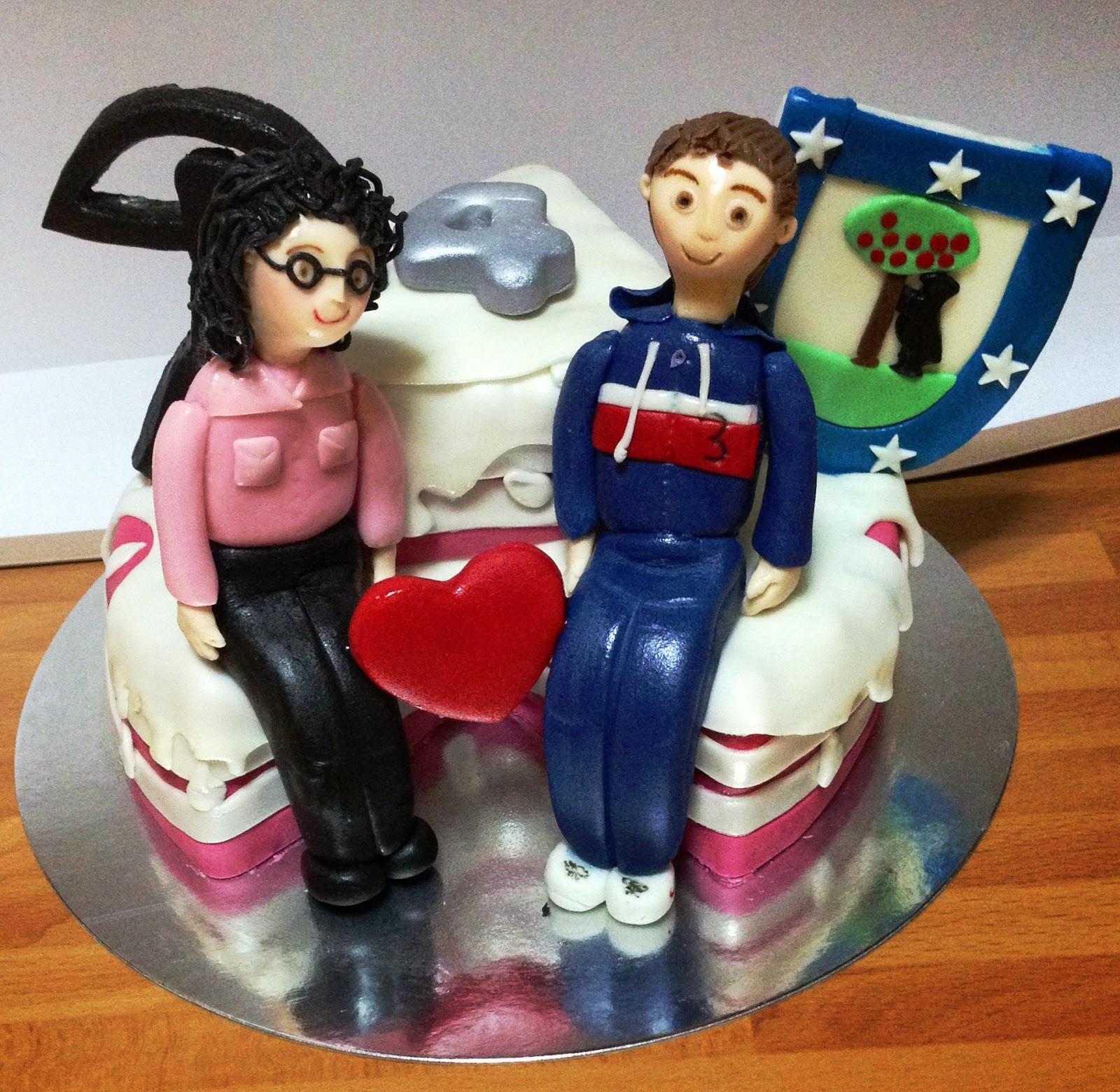 tarta aniversario. tarta decorada aniversario; tarta fondant aniversario