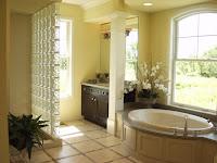 un baño con estilo