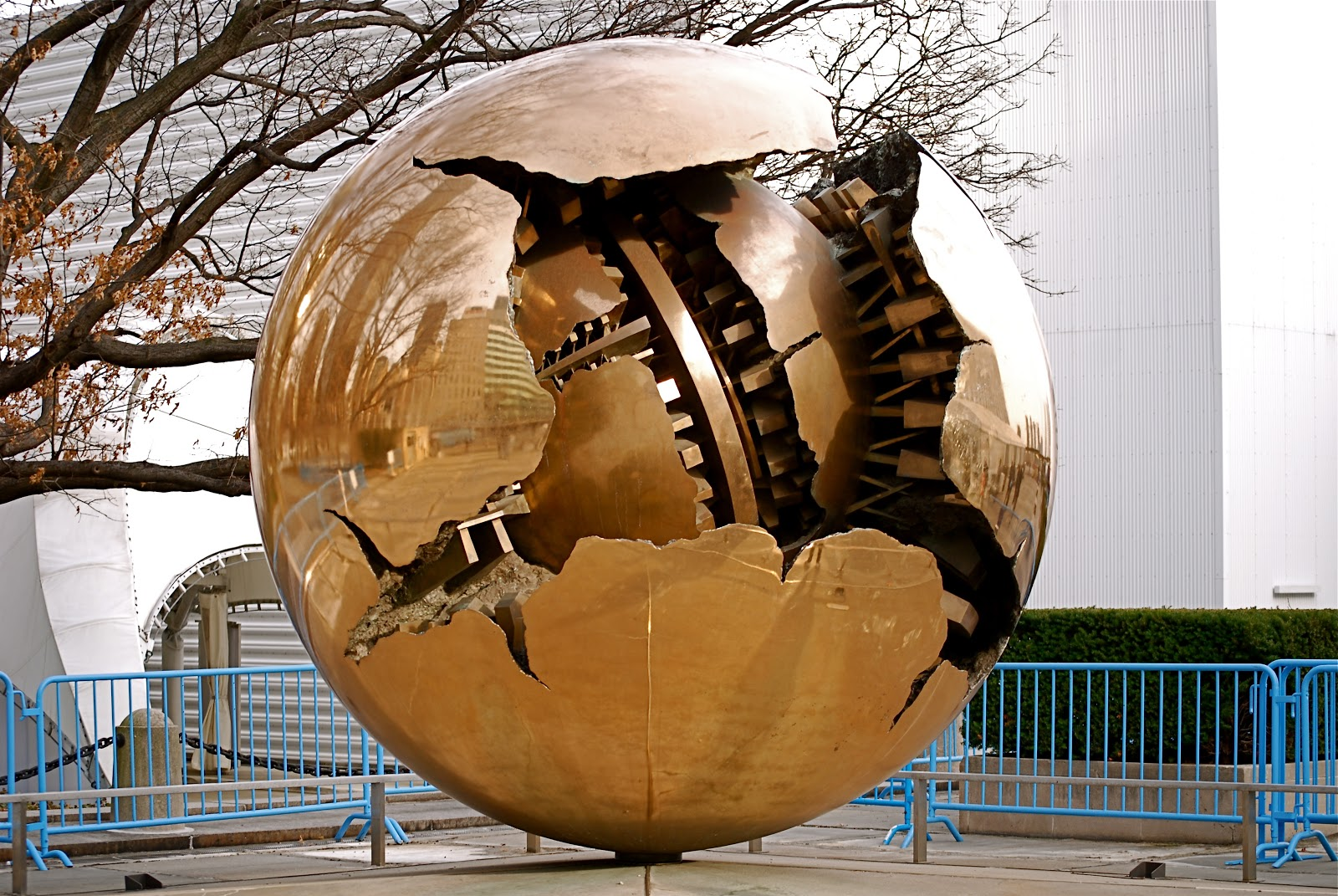nyc nyc sphere within a sphere by arnaldo pomodoro