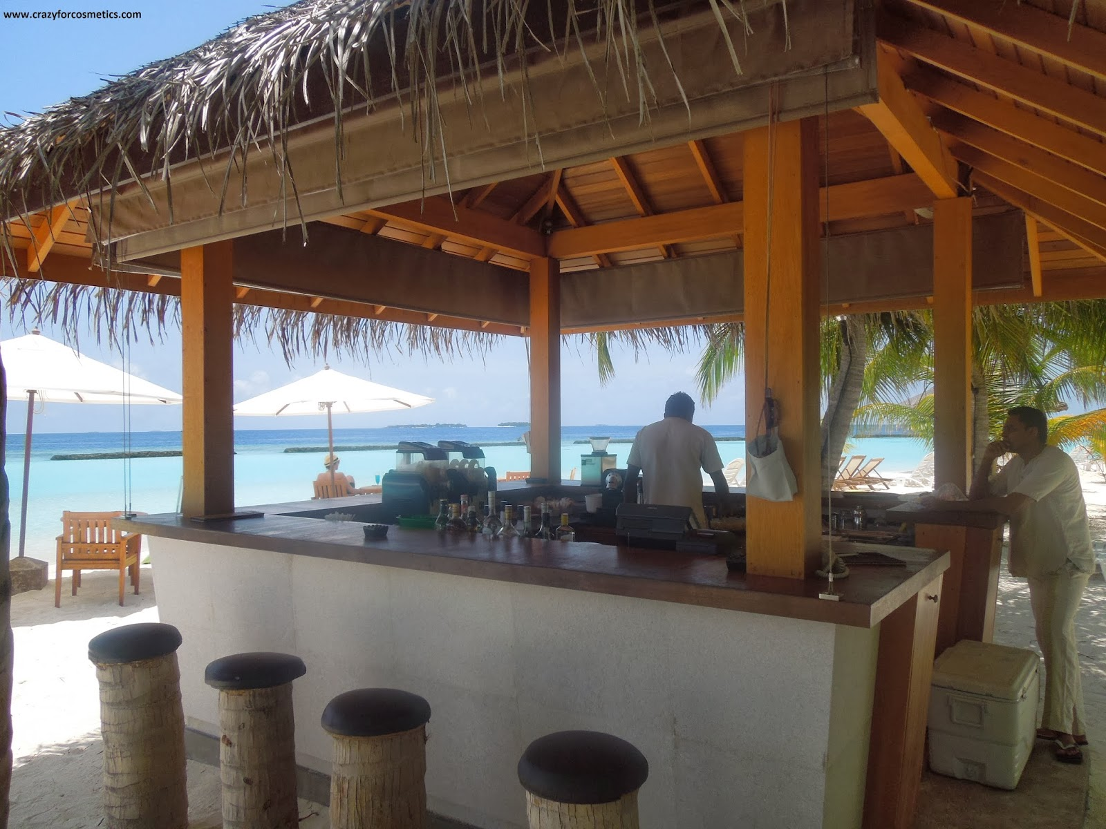Kurumba Maldives Beach Bar