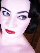 Dita Von Teese Make up Look