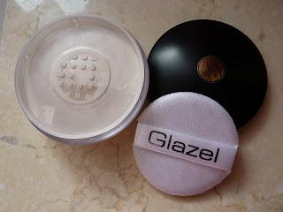 Glazel Super Finishing Powder – wodoodporny puder fixujący makijaż