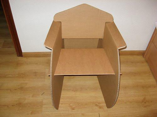 Arquitectura critica sillas y muebles de cart n - Como hacer un sillon paso a paso ...