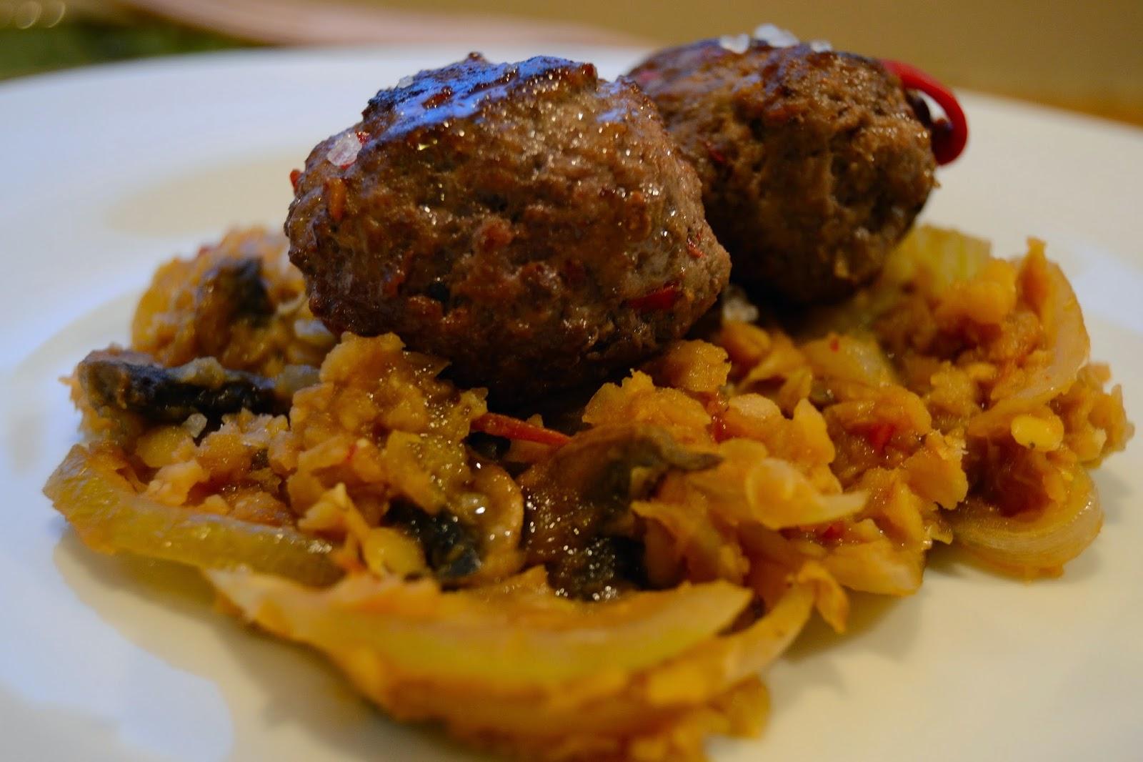 Alb ndigas con salteado de lentejas rojas cocinar para - Acompanamiento para albondigas ...