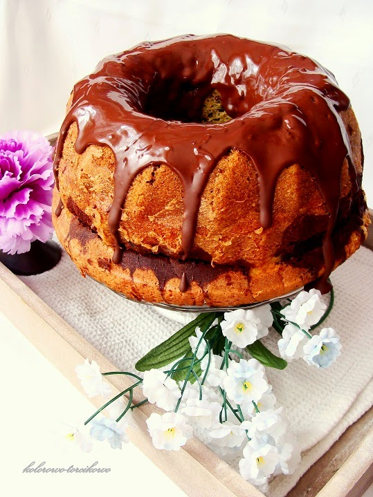 Babka marmurkowa oblana czekoladą