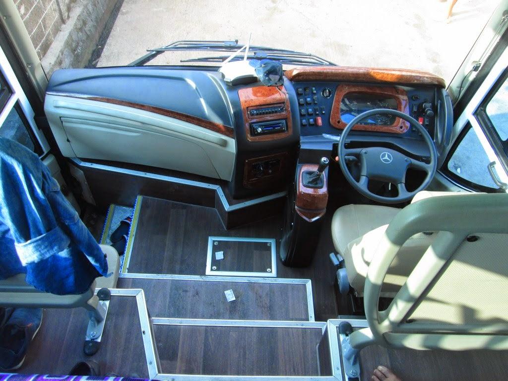 ... bus kurnia dengan sasis mercedes benz oc500rf 2542 tampak depan bus