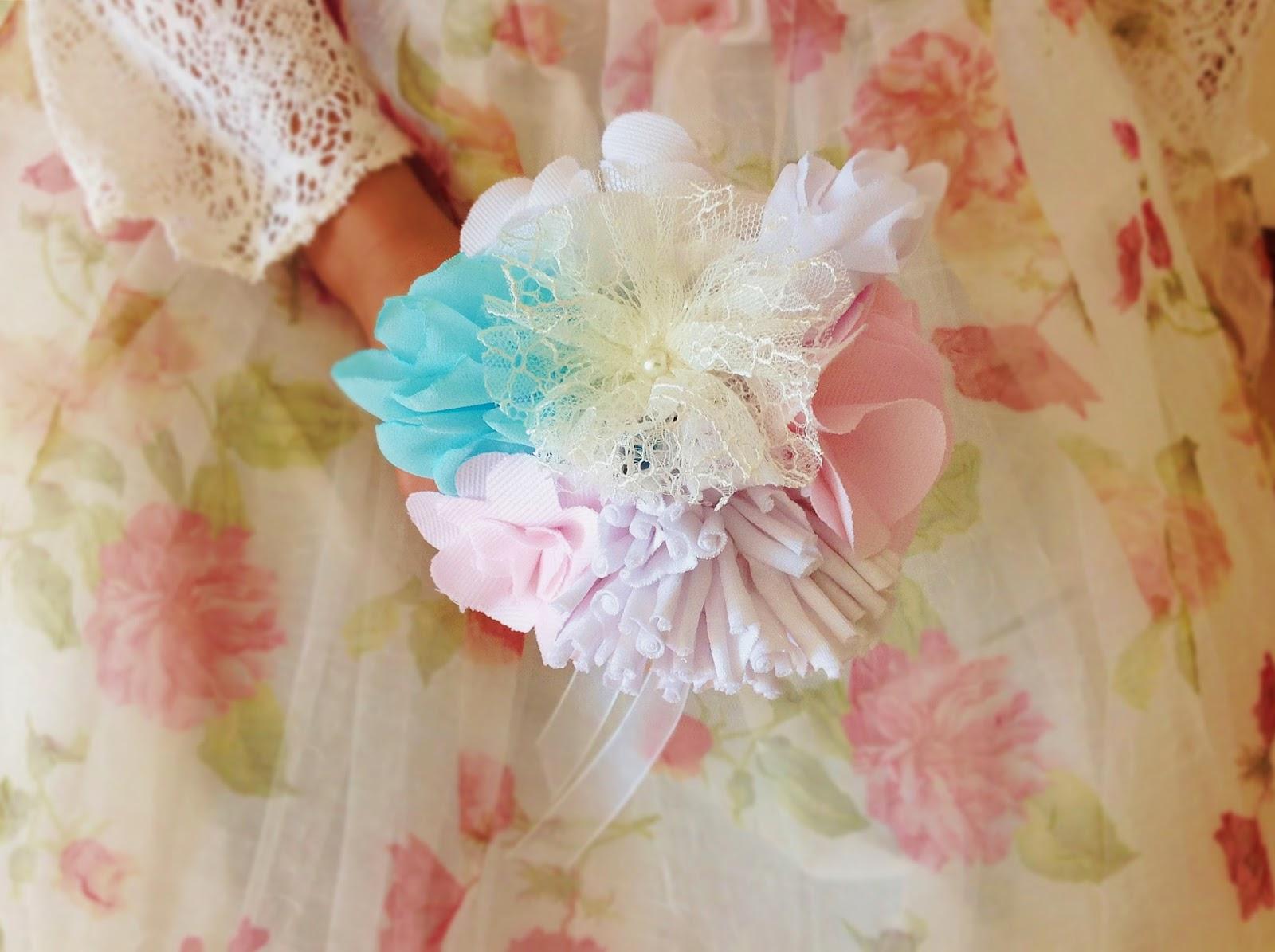 bouquet em algodão e renda