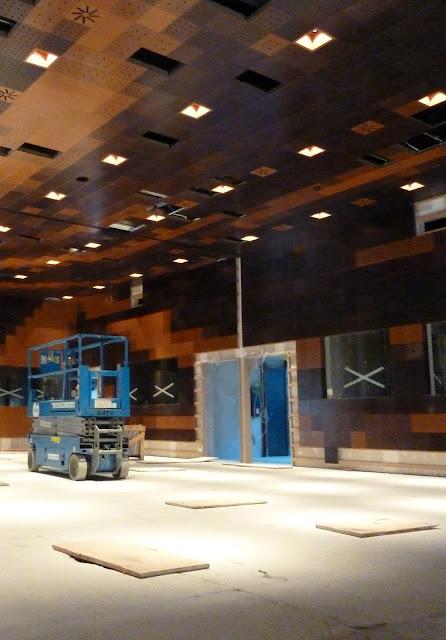 AASB visita CREAA. Sala de congresos configurable