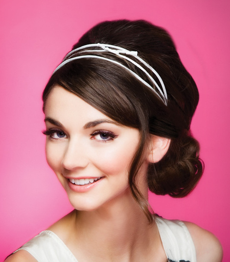 Fashionable Headbands For A Sexy And Simple Hairstyle