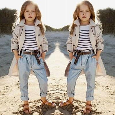 gadis termodis dengan gaya pantai