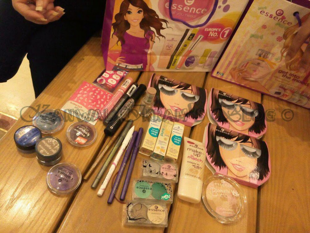 OMG!! Cosmetic Buffet by Essence
