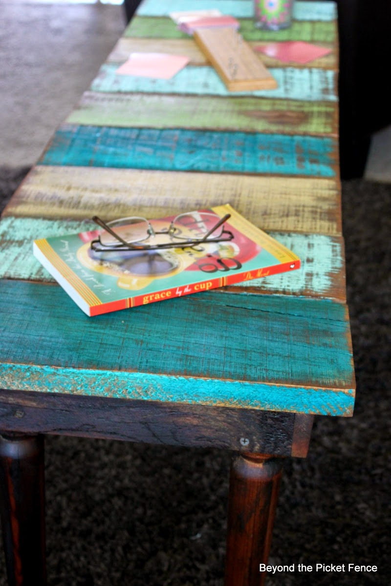 Beyond the picket fence how to make a reclaimed wood for Reclaimed wood coffee table diy