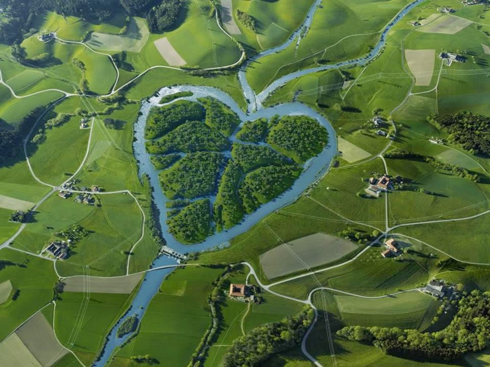 http://funkidos.com/pictures-world/nature-pictures/10-most-beautiful-rivers-in-the-world