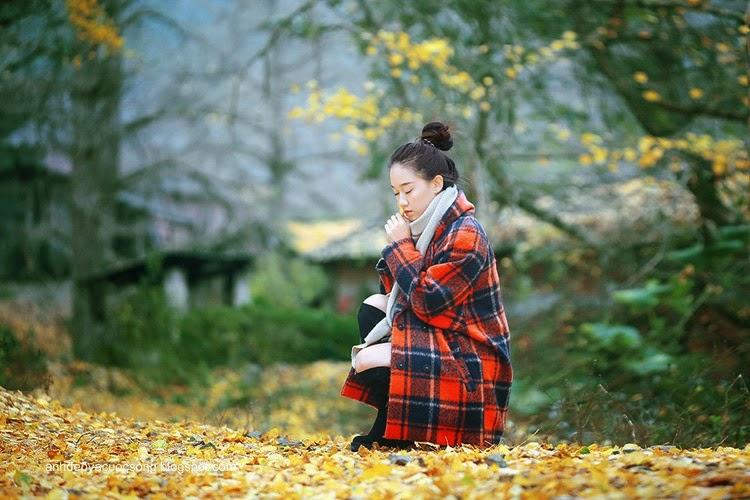 Thiếu nữ dao phố mùa thu 8
